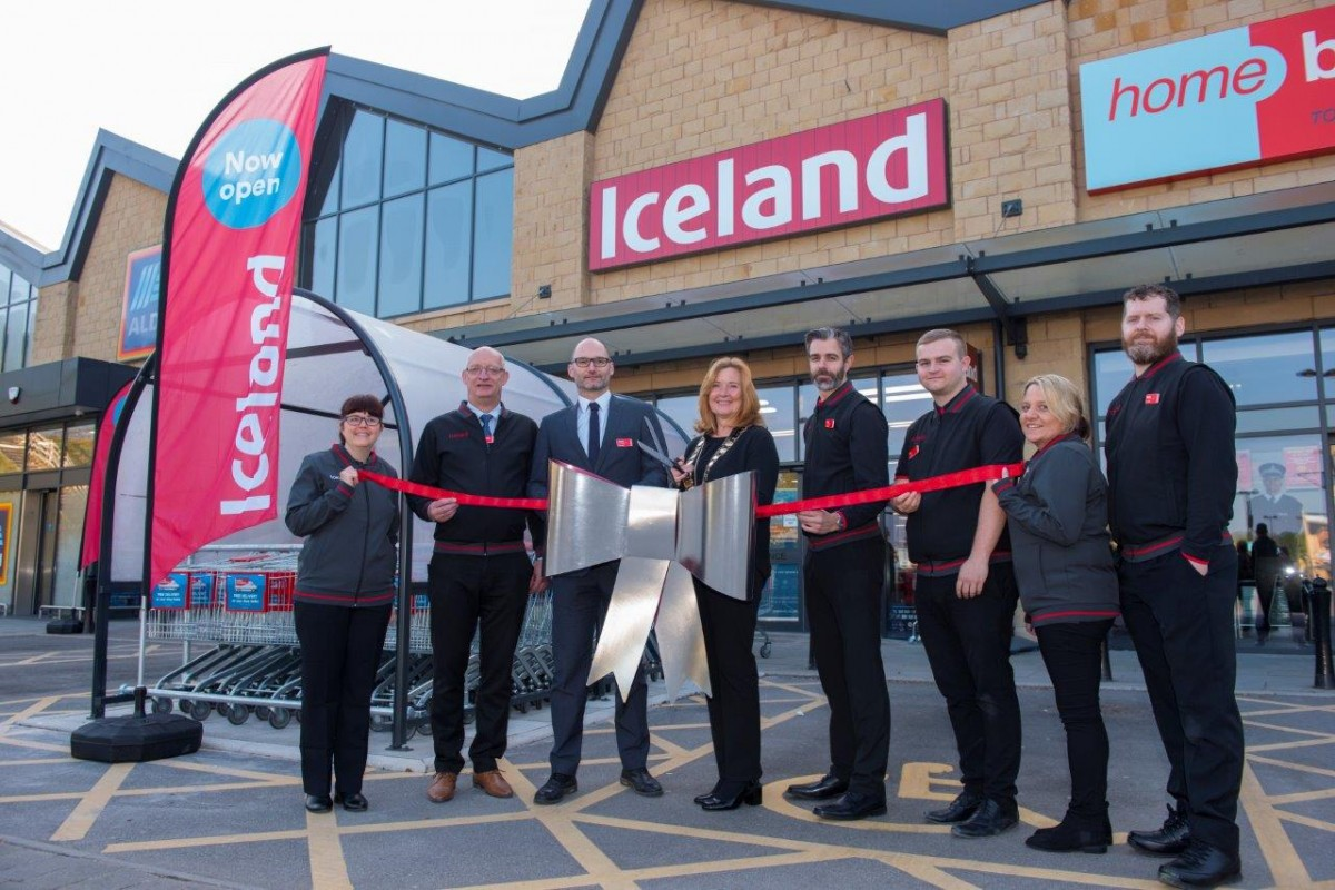Fox Valley welcomes brand new Iceland store to north Sheffield centre