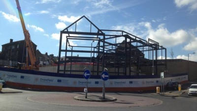 Steel frame goes up at Penistone�s Gateway site