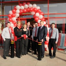 Iceland gets a warm welcome in Tunstall as new store opens